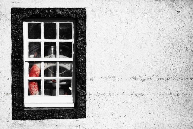 window_red.jpg